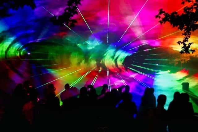 Lasershow Farbenspiel 3D Effekt